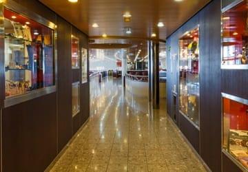 anek_superfast_forza_hallway
