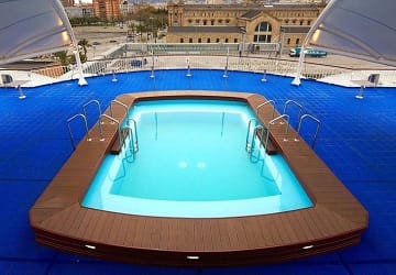 balearia_caribbean_bahama_mama_swimming_pool
