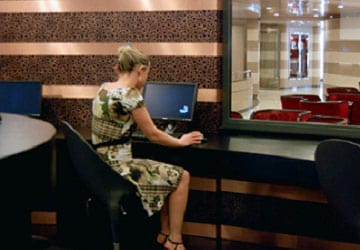 grimaldi_lines_cruise_barcelona_internet_cafe