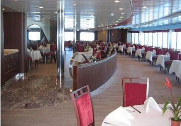 grimaldi_lines_cruise_barcelona_restaurant
