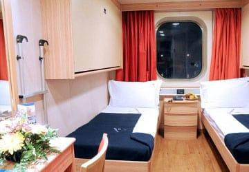 grimaldi_lines_cruise_roma_4_bed_cabin