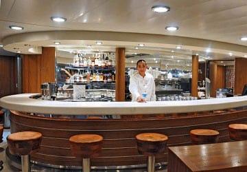 grimaldi_lines_cruise_roma_bar