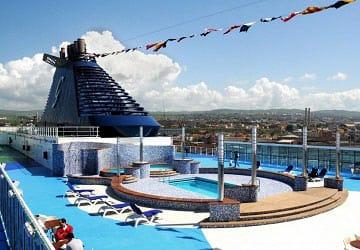 grimaldi_lines_cruise_roma_pool