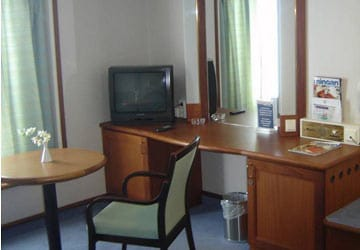 grimaldi_lines_ikarus_palace_cabin_lounge_area