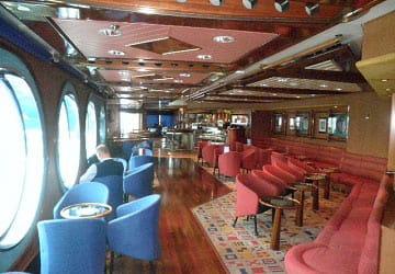grimaldi_lines_ikarus_palace_lounge_window_view