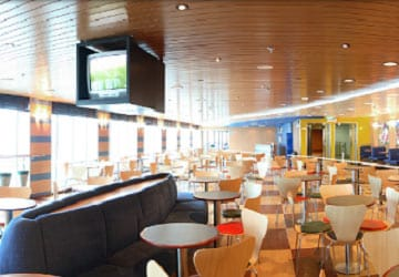 moby_lines_moby_aki_cafeteria